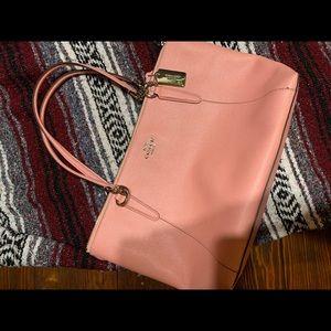 Cute pink Coach bag! Excellent condition